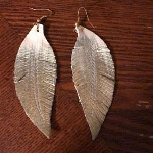 Jewelry - Feather earrings